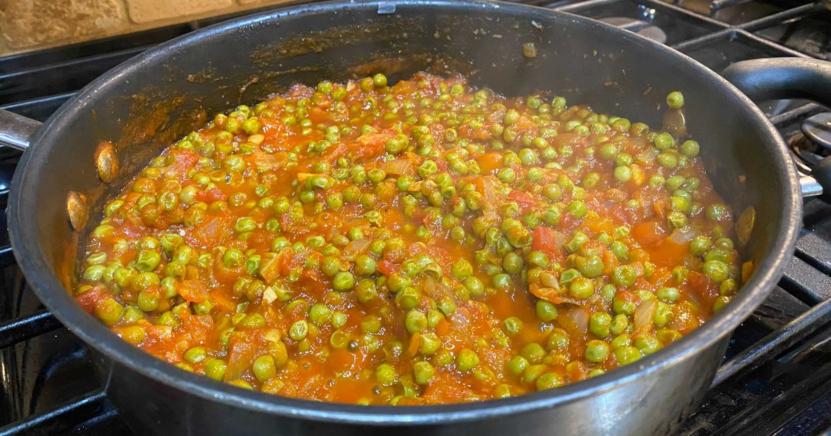 RECIPE: Frozen peas, canned tomatoes create healthy, penny-pinching dish