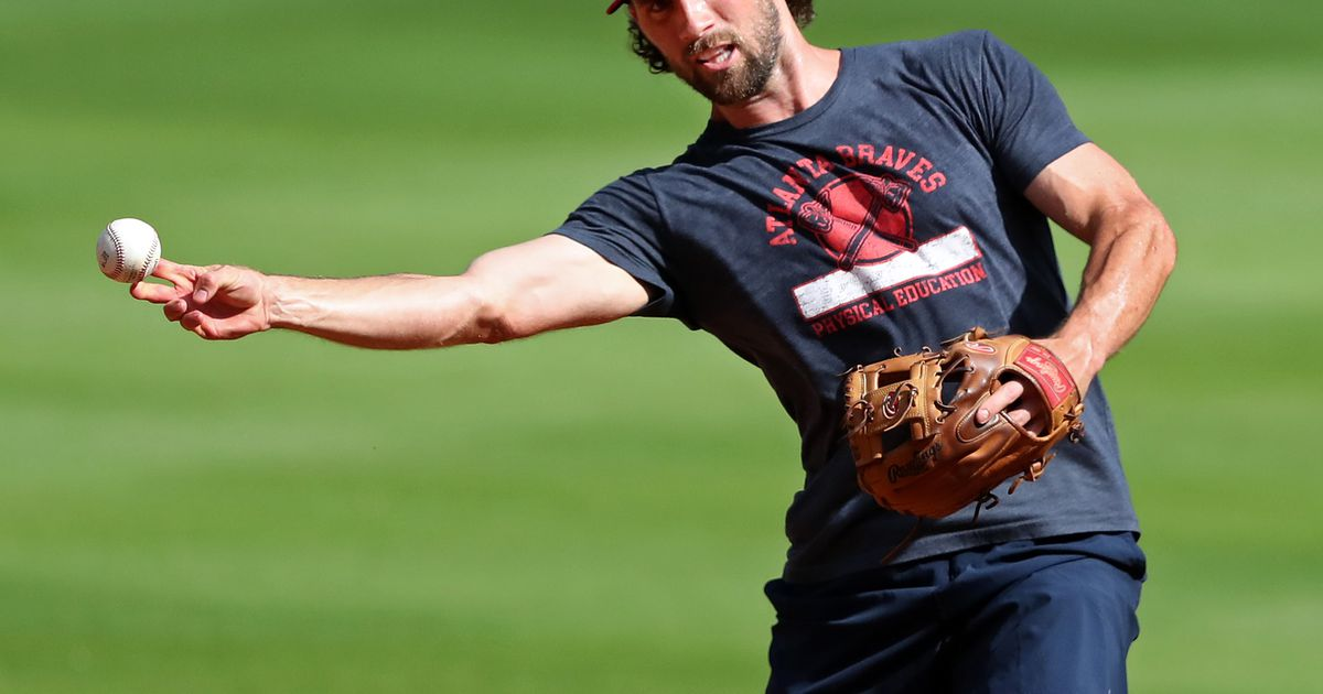Charlie Culberson elects for free agency