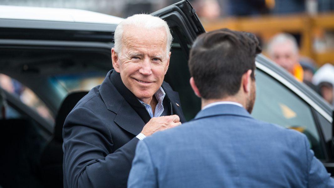 How Old Are Joe Biden Bernie Sanders Pete Buttigieg Ages Of The Democratic Hopefuls