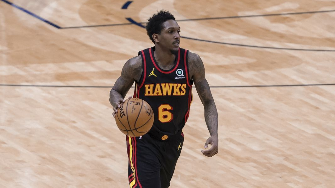 Lou Williams gives Hawks needed boost