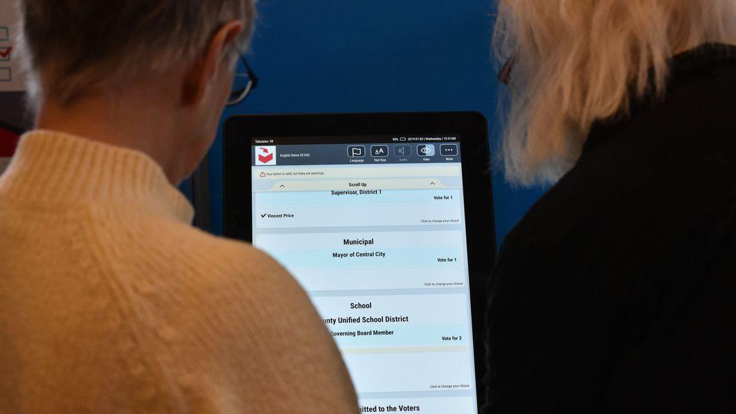 Georgia receives bids for $150 million voting system