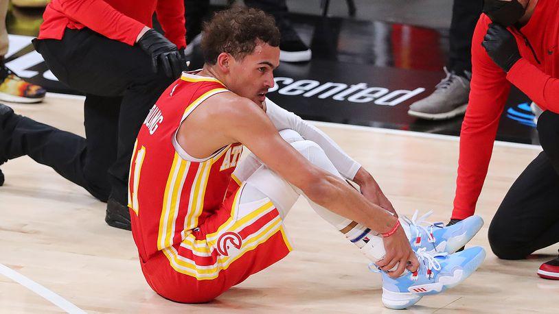 Hawks drop Game 3 after Khris Middleton's scoring burst; Trae Young's injury