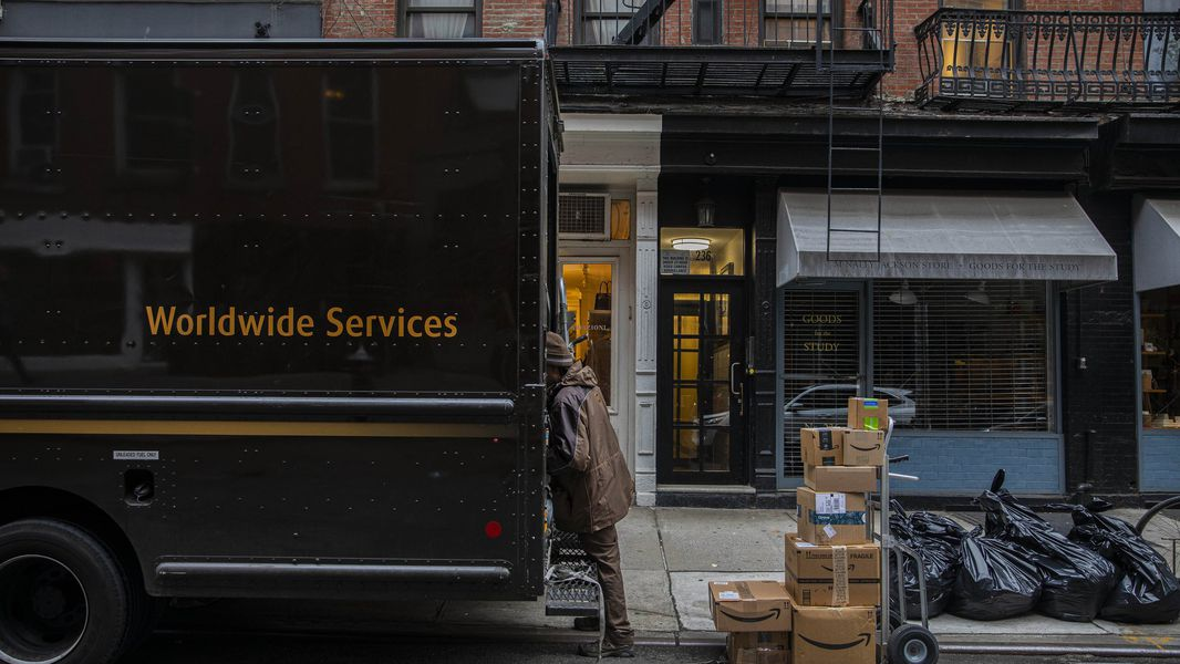 Last Day To Ship For Christmas 2020 Ups For UPS, COVID 19 brings holiday like surge in delivery volume